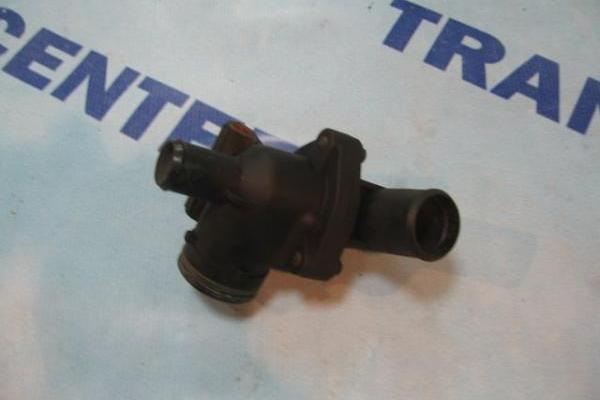 Boitier de thermostat 2.0 Ford Transit 2000-2006 d\'occasion