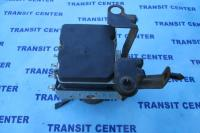 ABS pompe Ford Transit Ford Transit 2006, 8C112C405BB. d'occasion